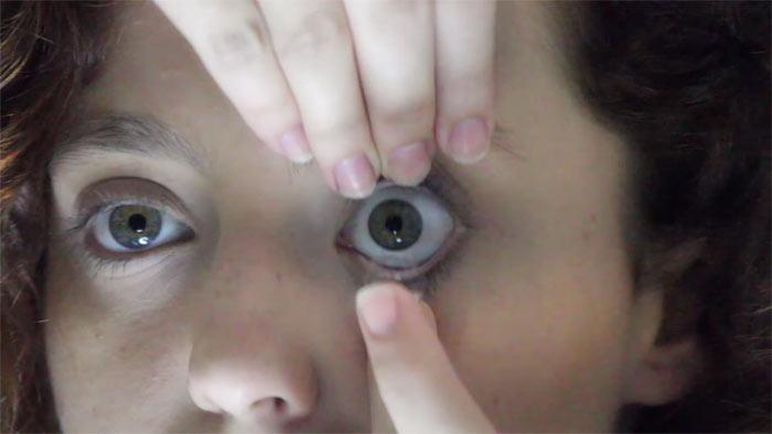 Cómo poner lentes de contacto