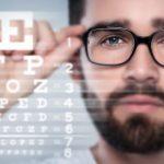 Cómo saber si necesito gafas: síntomas que debes detectar